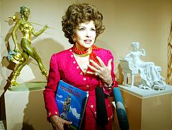 Gina at Pushkin Museum in Moscow, June 24, 2003